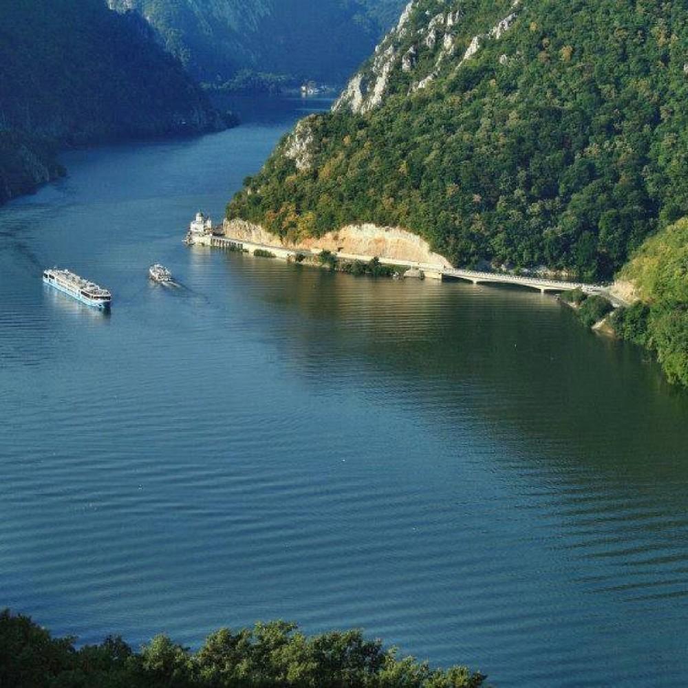 Dunarea-vazuta-de-sus1